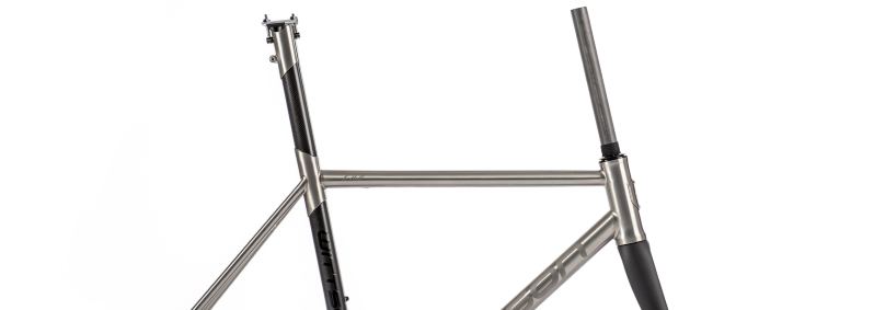 Custom titanium frame with carbon seattube