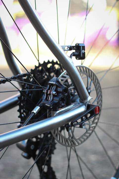 Disc calipers compatible with SRAM x HOPE RX4 Flatmount