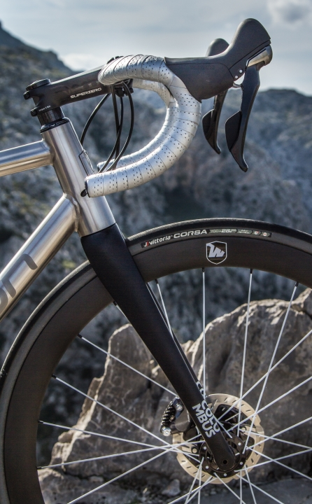 "COLUMBUS Futura Disc Tapered 1.5"" carbon fork"