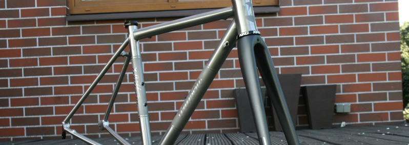 Custom titanium road frame with Enve fork