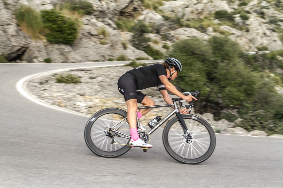 Personal cycling trainer and guide in Mallorca Kennet Kirkensgaard Selva Mola testing the titanium Illuminati bicycle