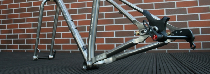 titanium 29er plus frame with sliding dropouts