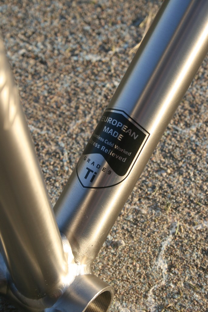 Titanium Fixie Track Pista Triple Triangle Design Frame Urban Logo Chris King Easton Paragon Dropouts