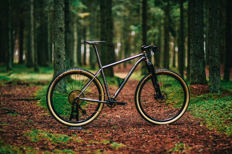 Lightest titanium 29er bicycle on the market
